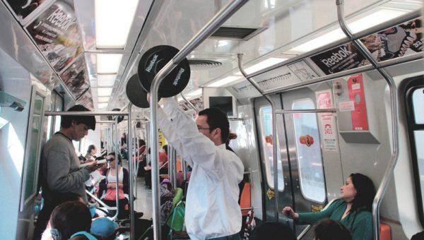 Haltère Reebok dans le métro