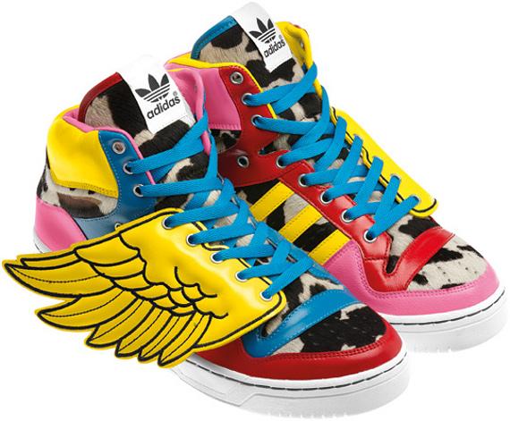adidas avec des ailes