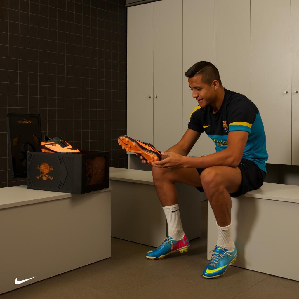 Les Nouveaux Dévoile Nike Crampons HypervenomNeymar 8nwvNm0