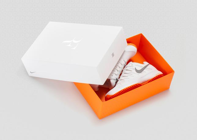 Roger Federer présente la Nike Zoom Vapor 9 Tour Le