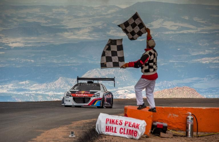 Pikes Peak : revivez le record de Sébastien Loeb en caméra embarquée !