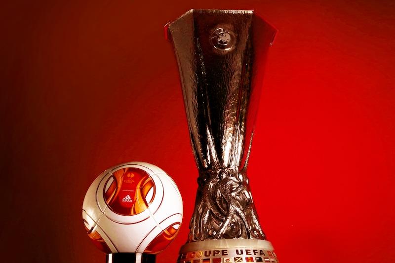 ballon et trophée de l'europa league