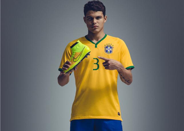 Thiago Silva présente les Nike Magista