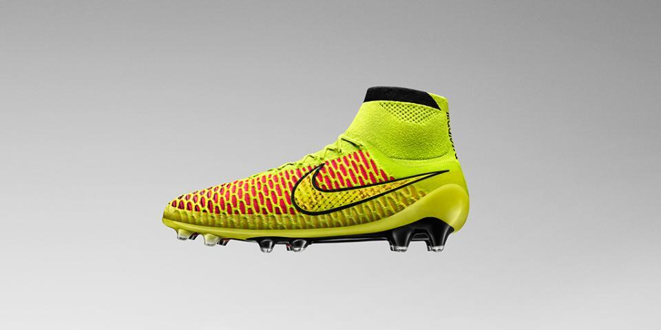 new products 61583 7b114 Magista Nike révolutionne les chaussures de football!