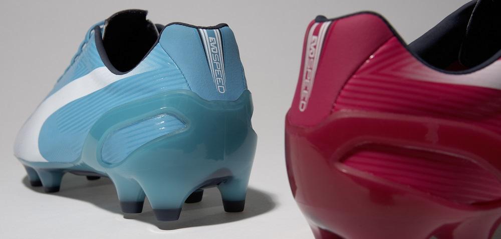 chaussures de foot puma bleu et rose