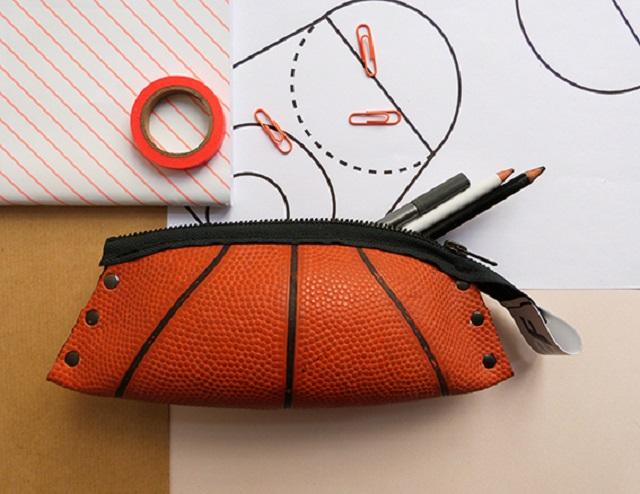 Reversible-eco-design-trousse-ballon-basket (1)