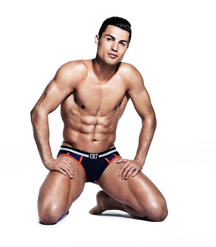 Cristiano-Ronaldo-CR7-underwear-2014 (1)