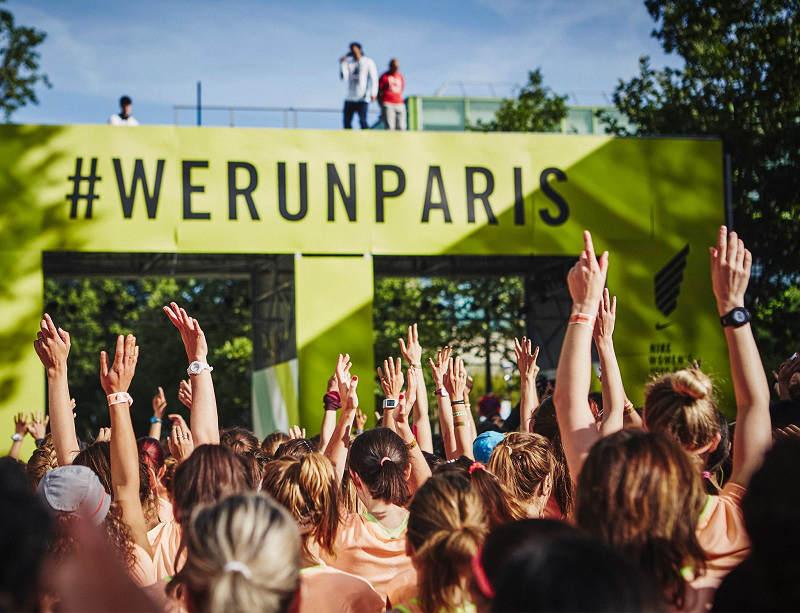 Quand 10 000 femmes s'apprêtent à prendre en même temps le départ de la Nike Women's Race de Paris...