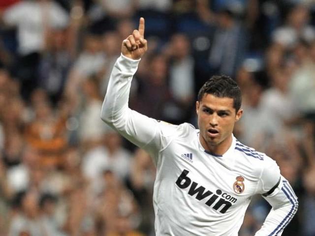 Cristiano Ronaldo porte le maillot du Real Madrid